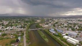 Tempestad de truenos Missoula Montana Clark Fork River Lightning Strike de la tarde almacen de metraje de vídeo
