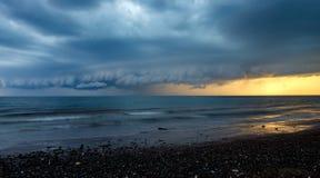 Tempestade da chuva de Upcomig Imagens de Stock