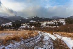 Tempestade da neve do esclarecimento em Rocky Mountains Foto de Stock Royalty Free