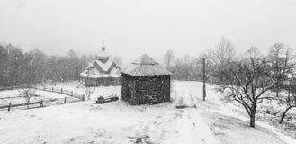 Tempestade da neve do esclarecimento em Rocky Mountains Imagens de Stock