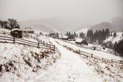 Tempestade da neve do esclarecimento em Rocky Mountains Foto de Stock