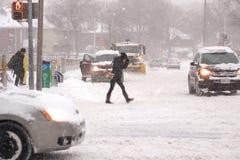A tempestade do inverno bate Toronto imagem de stock