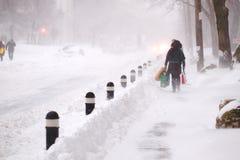 A tempestade do inverno bate Toronto fotografia de stock royalty free