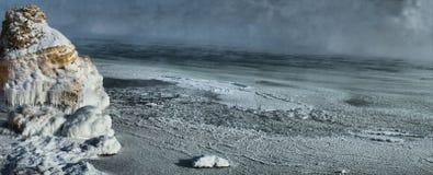 Tempestade do inverno na costa do Mar Negro imagens de stock royalty free