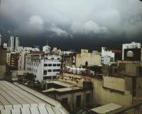 Tempestade do verão na cidade Fotografia de Stock Royalty Free