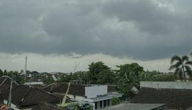 A tempestade está vindo - Tulungagung Indonésia imagem de stock