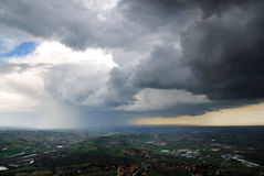 Tempestade no vale Imagens de Stock Royalty Free