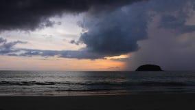 Tempestade sobre a ilha tropical Timelapse video estoque