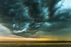 Tempestade sobre o campo em Oklahoma imagens de stock