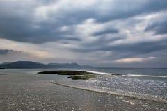 Tempestuoso puede la mañana en Lyme Regis foto de archivo