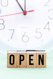 Tempi di apertura Fotografia Stock