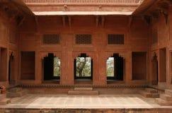 Tempiale abbandonato nel complesso di Fatehpur Sikri, India fotografie stock libere da diritti