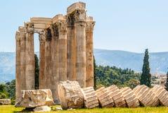 Tempiale dello Zeus di olimpionico a Atene Immagine Stock