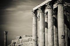 Tempiale dello Zeus di olimpionico e dell'acropoli, Atene Immagine Stock
