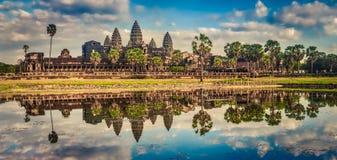 Tempiale di Angkor Wat al tramonto La Cambogia cambodia Panorama fotografie stock libere da diritti