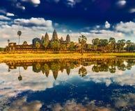 Tempiale di Angkor Wat al tramonto La Cambogia cambodia immagine stock