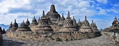 Tempiale di Borobudur di panorama. Immagine Stock
