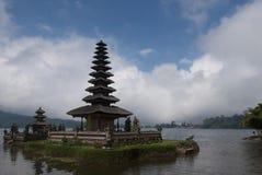 Tempiale di Bratan del lago Fotografia Stock