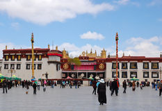 Tempiale di Jokhang a Lhasa, Tibet. Esso fotografia stock libera da diritti