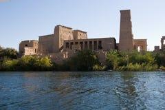 Tempiale di Philae dal Nilo Immagine Stock