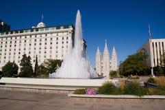 Tempiale di Salt Lake City e fontana della città fotografie stock libere da diritti