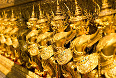Tempiale di Wat Phra Kaeo, Bangkok, Tailandia. fotografia stock libera da diritti
