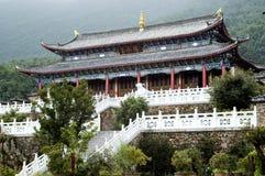 Tempiale nella città dell'acqua vicino a Lijiang fotografia stock