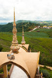 Tempiale tailandese sulla montagna del hight. immagini stock libere da diritti