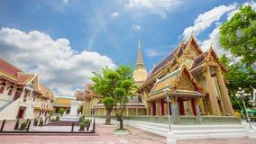 Tempie antiche di Wat Ratchabophit Sathit Mahasimaram Ratchaworawihan, bella architettura ed arte del Siam video d archivio