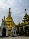 Tempie del Myanmar di estate immagini stock libere da diritti