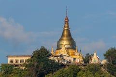 Tempie di Sagaing di mattina fotografia stock