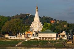 Tempie di Sagaing di mattina immagine stock libera da diritti