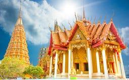 Tempie e chiesa della pagoda di Bhuddist nel posto di viaggio della Tailandia Immagini Stock Libere da Diritti