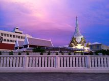 Tempio al bello tramonto immagine stock