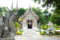 Tempio al provience di Chiangsan, Chiang Rai, nordico della Tailandia fotografia stock