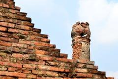 Tempio antico con il piccione Fotografia Stock