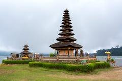 Tempio Bali dell'acqua di Pura Ulun Danu Fotografie Stock