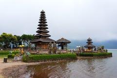 Tempio Bali dell'acqua di Pura Ulun Danu Immagini Stock