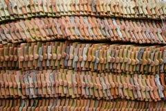 Tempio buddista classico delle mattonelle di tetto delle terraglie di tradizione Fotografia Stock