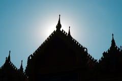 Tempio buddista del tetto della siluetta Fotografia Stock Libera da Diritti