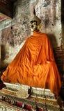 Tempio buddista e statua in Tailandia fotografie stock libere da diritti