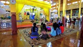 In tempio buddista sul lago Inle, il Myanmar archivi video