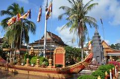 Tempio buddista Wat Preah Prom Rath in Siem Reap, Cambogia fotografie stock libere da diritti