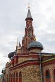 Tempio cattolico in tempio di tutte le religioni Il villaggio di vecchio Arakchino Kazan, Tatarstan immagini stock