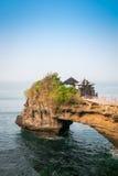 Tempio del lotto di Tanah nell'isola di Bali, Indonesia Immagine Stock