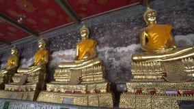 Tempio del suthat di Wat a Bangkok stock footage