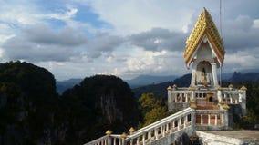 Tempio della caverna della tigre di krabi della Tailandia Immagine Stock