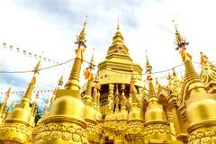 Tempio della pagoda di Gloden Fotografia Stock Libera da Diritti