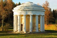 Tempio di amicizia nel parco di Palovsk fotografie stock libere da diritti