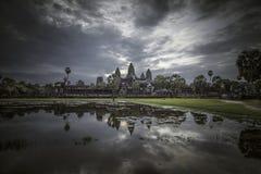 Tempio di Angkor Wat in un giorno nero Immagini Stock Libere da Diritti